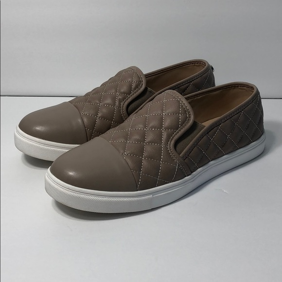 0e0d78eb5f7 Steve Madden Zaander slip on sneaker shoe. M 5ae89adfa4c4858bbd4e081b